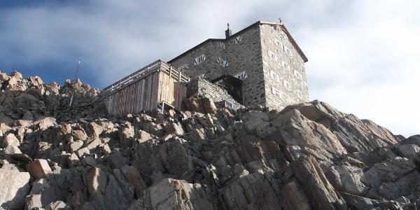 Blick zur Hütte vom Gletscherrand