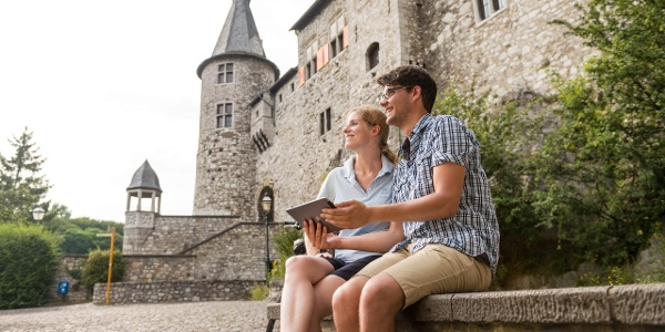 Pause an der Burg Stolberg