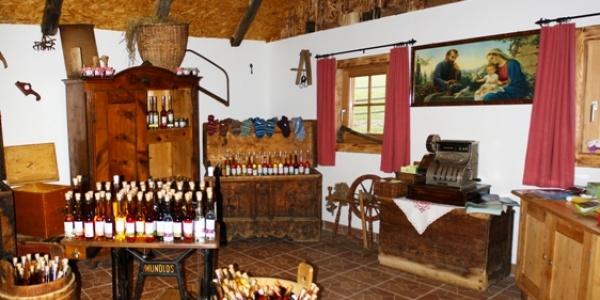 Blutige Alm Hütte in Innerkrems - Bauernmarkt