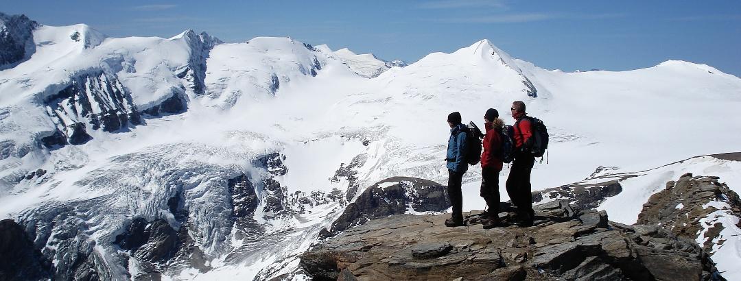 Anstieg Fuscherkarkopf - Ausblick zum Johannisberg