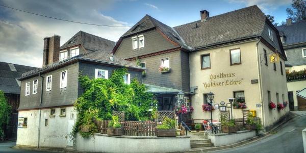 """Gasthaus """"Goldener Löwe"""" unterhalb der Burg Lauenstein"""