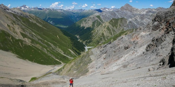 Im steilen und rutschigen Aufstieg zur Fuorcla Trupchun