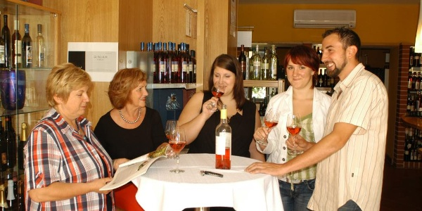"""Vinothek und Käsethek """"Wein & Käs´"""""""