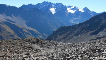 Im Aufstieg, kurz vor dem Steilanstieg zur Scharte