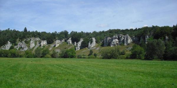 Felsformation Zwölf Apostel zwischen Solnhofen und Eßlingen im Altmühltal