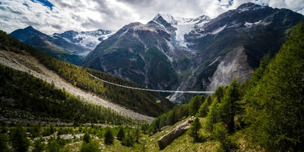 Europaweg with the new world record suspension bridge