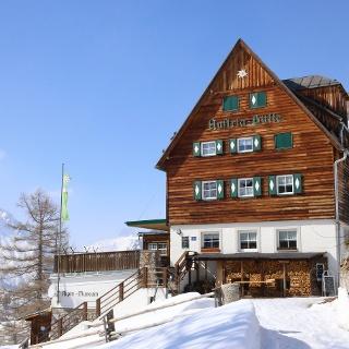 Austriahütte im Winterkleid