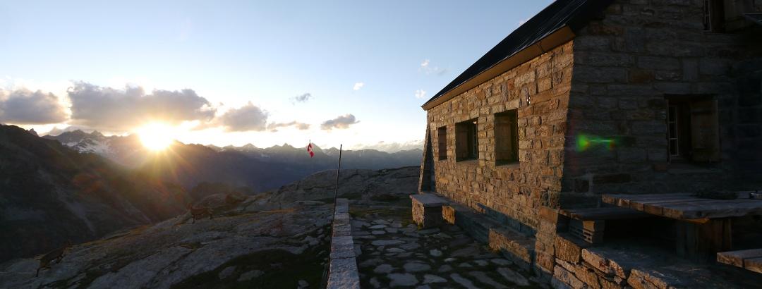 Die Bordierhütte in der Abendsonne