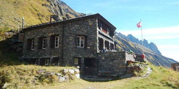 Die Voralphütte mitten in den Urner Alpen