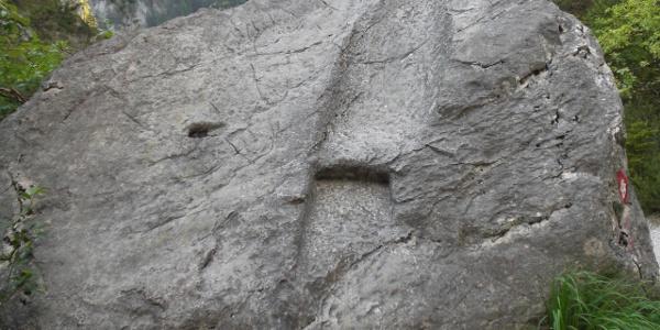 """Der bekannte """"Fußabdruck"""" auf dem Weg zur Haindlkarhütte"""