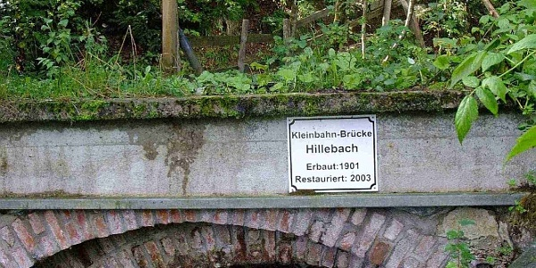 Grönebacher Dorfpfad - Kleinbahnbrücke im Hilletal