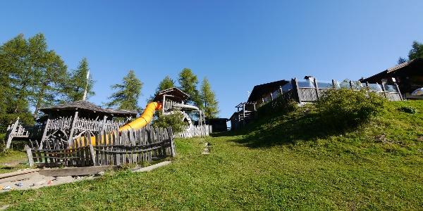 Der Bergspielplatz bei der Rotwandwiesenhütte