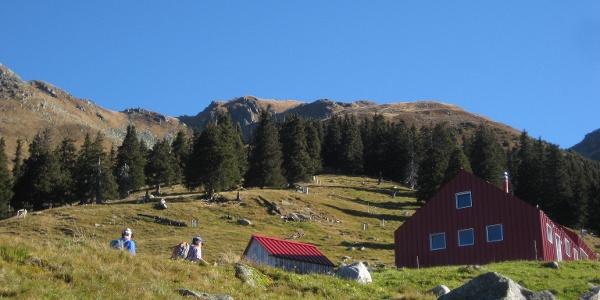 Alp Puzzetta mit Piz Ault Wintergipffel