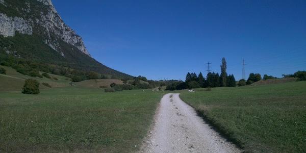 Valle dei Laghi Side Trail