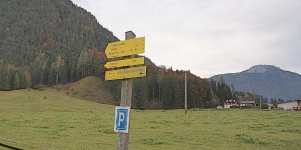 Parkplatz beim Gut Hanneshof