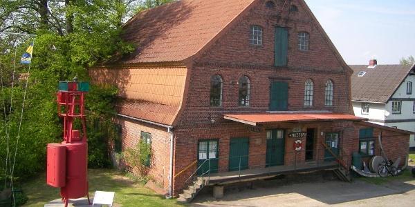 Außenansicht Kehdinger Küstenschiffahrts-Museum