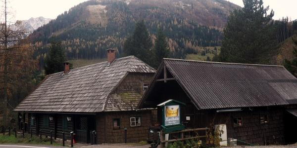 Karlhütte 890m an der Paßstraße