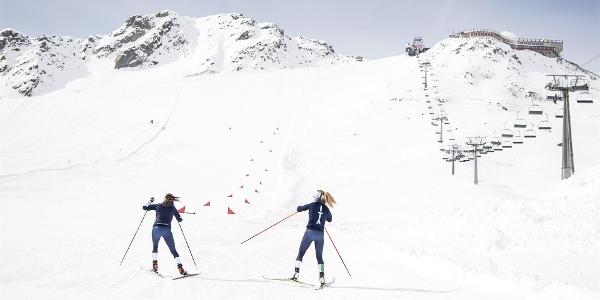 Langlauftraining am Gletscher