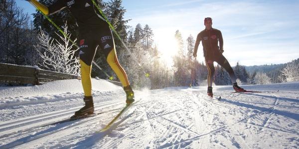 Skating auf einer Loipe in Obertal