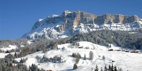 Winter walk through the farms of Alta Badia