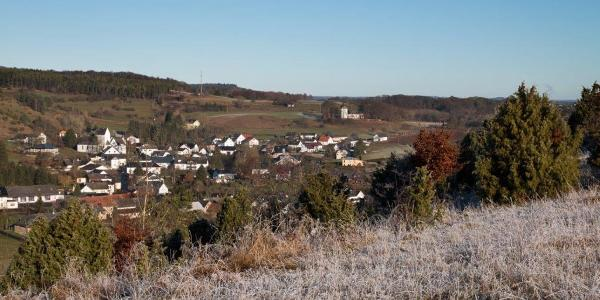 Vom Hammerberg der Blick auf Alendorf und …