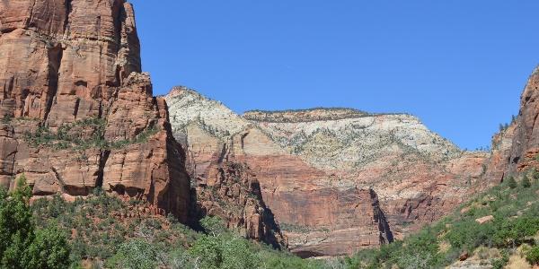 Zion Nationalpark und Angels Landing (links)