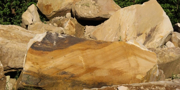 Steine im Steinbruch der Fa. Monser