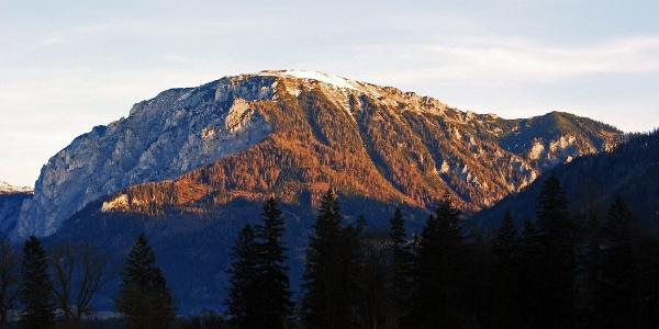 Die Messnerin im Morgenlicht von Tragöß-Unterort aus gesehen