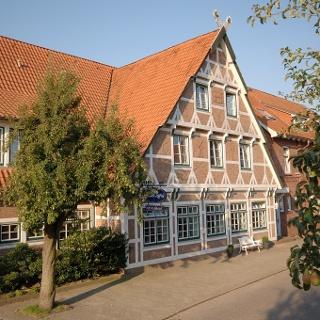 Hotel und Restaurant im modernen Fachwerkhaus