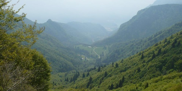 """View from trail SAT 445 """"Sentiero della Regina"""" sothwards (Campi and lake Garda in the mist)"""
