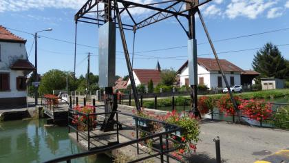 Die Schleuse in Niffer