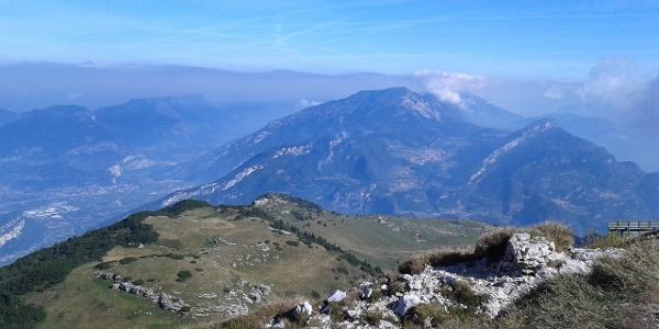 La salita verso il Monte Altissimo