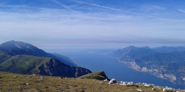 Panorama sul lago di Garda dal Monte Altissimo
