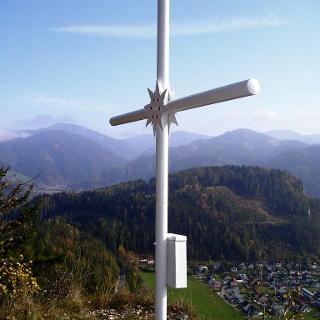 Naturfreunde Kreuz mit Blick auf Leoben Hinterberg