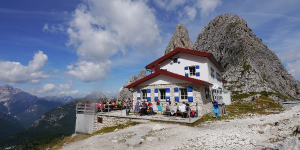Das Rifugio Fonda Savio vor dem Torre Wundt