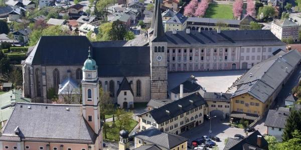Berchtesgaden Schlossplatz und Stiftskirche