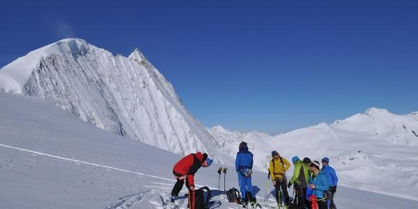 Anstieg zur Pigne d'Arolla, Blick auf Mont Blanc de Cheilon