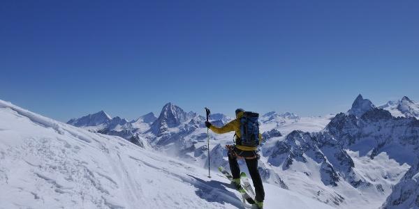 Anstieg zur Pigne d'Arolla, Blick auf Matterhorn
