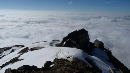 Rifugio Vioz «Mantova» alpine hut