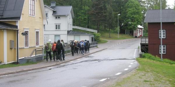 Boende i Njutånger. Till vänster