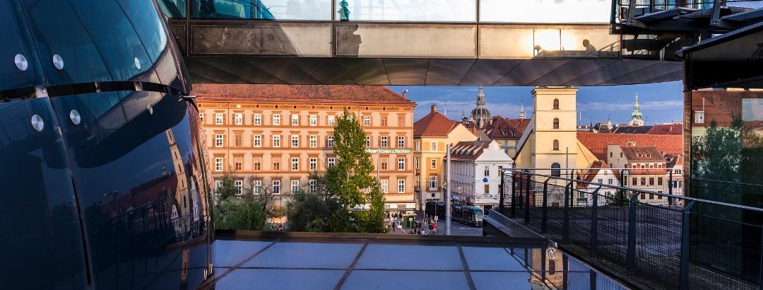 Blick vom Kunsthaus auf die Franziskanerkirche