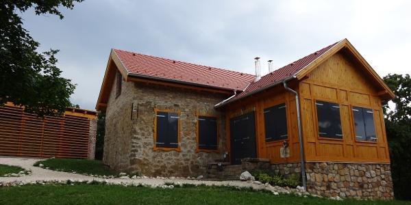 Som-hegyi turistaház