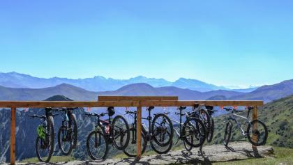 Mountainbike Parking auf der Padasterjochhütte, Trins