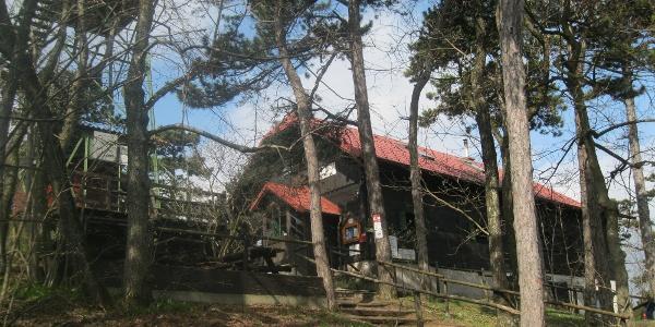 Nach dem ersten Anstieg, die Kammersteinerhütte (31.03.2012)