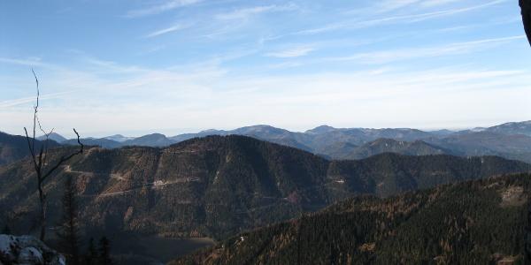 Aussichtsreich, die Dürre Leiten in die Gutensteiner Alpen (20.11.2011)
