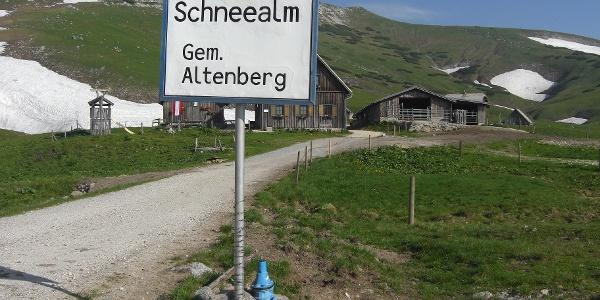 """Ein """"Hüttendorf"""" auf der Schneealm (20.06.2012)"""