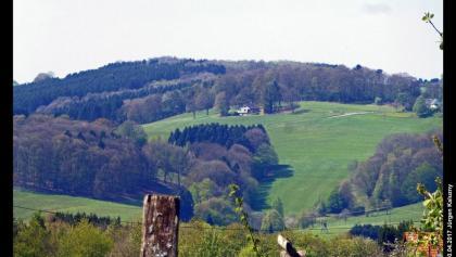 Landschaft vom Weg von Schloss Ehreshoven nach Hintersteimel