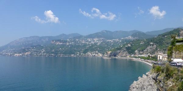 Malerische Küstenstreifen am Golf von Salerno