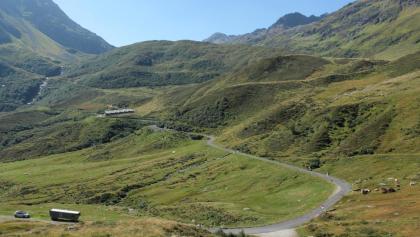 Abzweigung zum Stausee Curnera und Maighelshütte