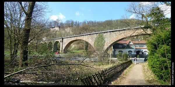 Viadukt der Brohltal-Bahn mit dem Jägerheim